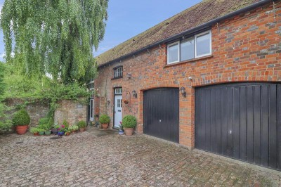 Stable House, Pednor Road, Chesham, Buckinghamshire, HP5 2JU - EAID:frost, BID:Chesham
